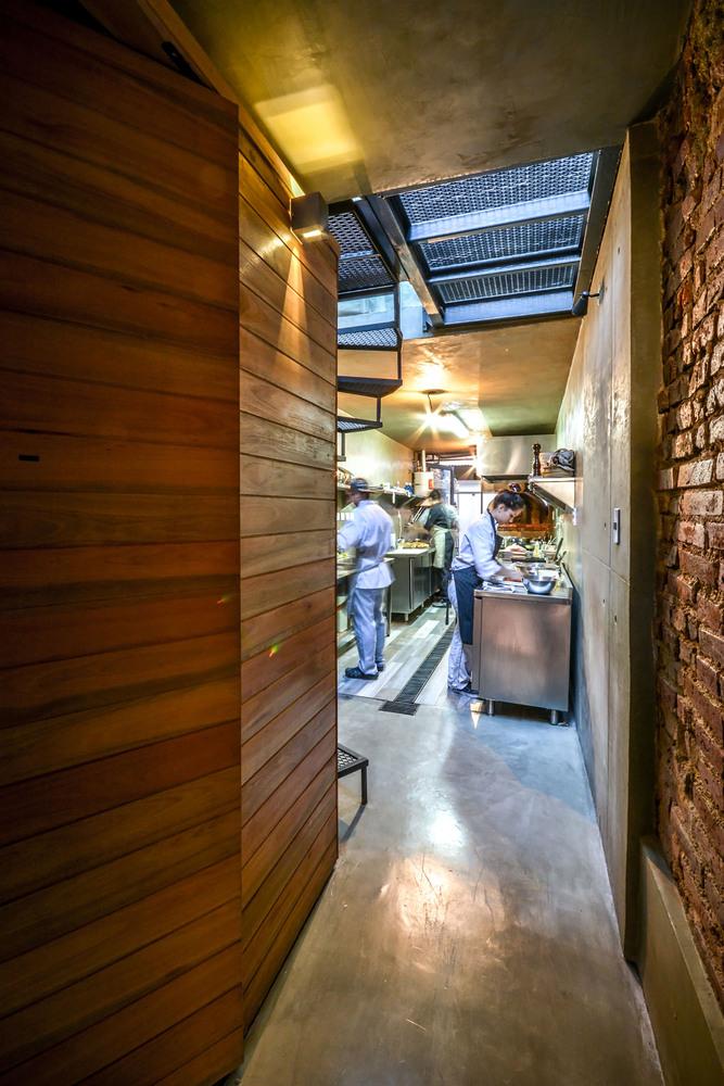 restaurant cuisine couloir
