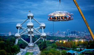 Dinner In The Sky : restaurant éphémère suspendu dans les airs à Bruxelles