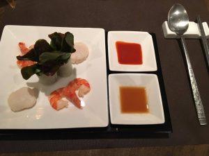 Entrée coréenne : crevettes et saint-jacques