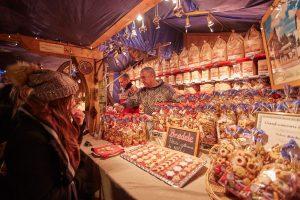 Marché de Noël préparation bredele Strasbourg