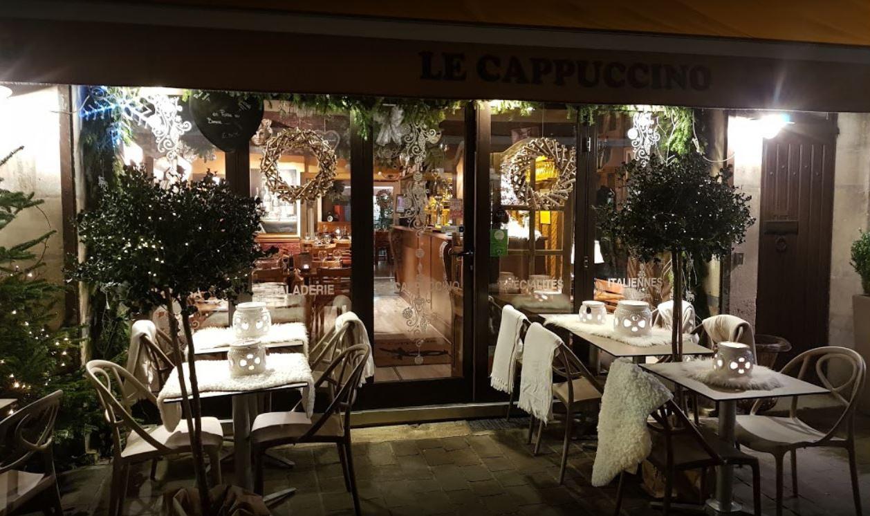 Devanture du restaurant Le Cappuccino dans le Centre-Ville de Tours