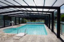 Installée dans le vaste parc arboré de l'Armoric Hôtel, ouverte dès le printemps, la piscine chauffée vous accueille de Pâques à novembre, … et plus selon la température extérieure car elle peut être entièrement fermée grâce à sa véranda coulissante. hôtel et restaurant Reso 29