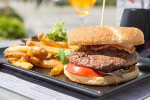 FritesBurger Frites - restaurant La P'tite Cale aux Sables d'Olonne en Vendée