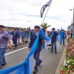 Défilé des costumes traditionnels au Festival les Filets Bleus