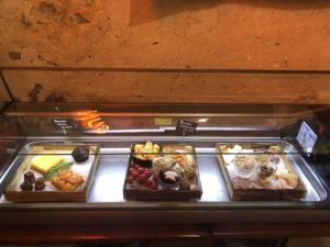 Planches apéritives à déguster Au Comptoir de la Ferme du Marais Girard à Bretignolles-sur-Mer