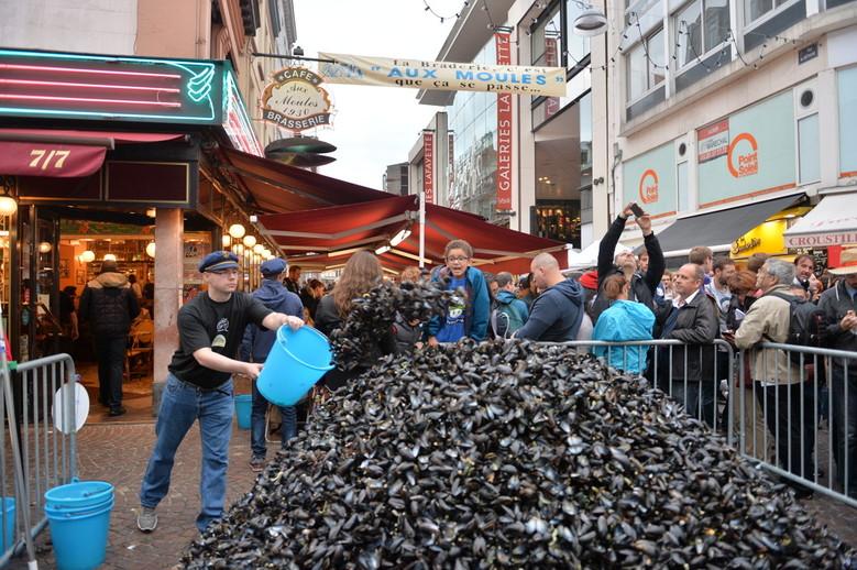 Tas de moules à la Braderie de Lille