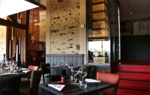 Photo de la salle du restaurant La Morlière à Sigournais, proche de Chantonnay, en Vendée