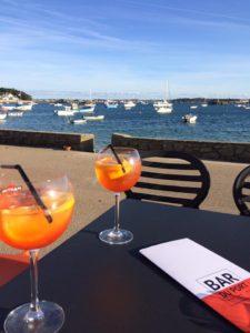 Pause apéritif au Bar du Port