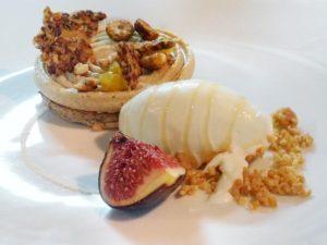 Le Paris Brest tuile au sarrasin, Sorbet fromage blanc miel de châtaignier, figue sollies rôti de Masatoshi Takayanagi du Mans