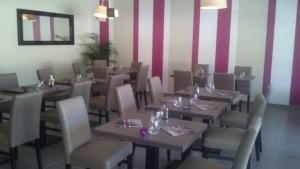 RES49-La-Table-Alex-salle-Corze