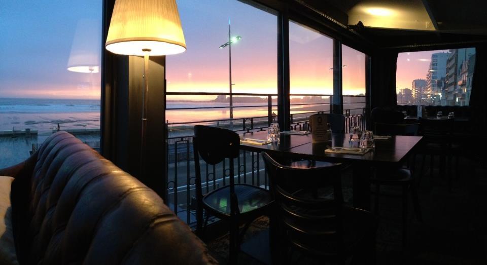 Vue Panoramique sur la baie des Sables d'Olonne depuis la salle du restaurant Mama aux Sables d'Olonnes