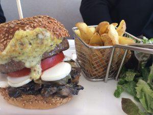 Angel's Italian Diner burger maison