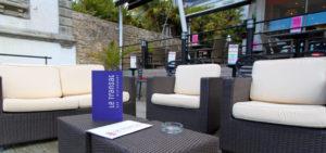 La superbe terrasse du bar restaurant le Transat à Bénodet