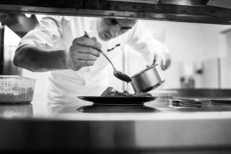 Chef Nathan Cretney, du restaurant Les Reflets à la Roche sur Yon