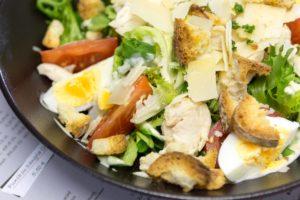Salade - Restaurant La P'tite Cale aux Sables d'Olonne en Vendée