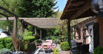 terrasse du restaurant la Ferme d'Averdoingt