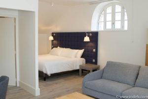 Chambre spacieuse et moderne au Ginkgo Hôtel à Quimper