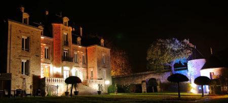 Le Manoir de Kerhuel de nuit à Quimper