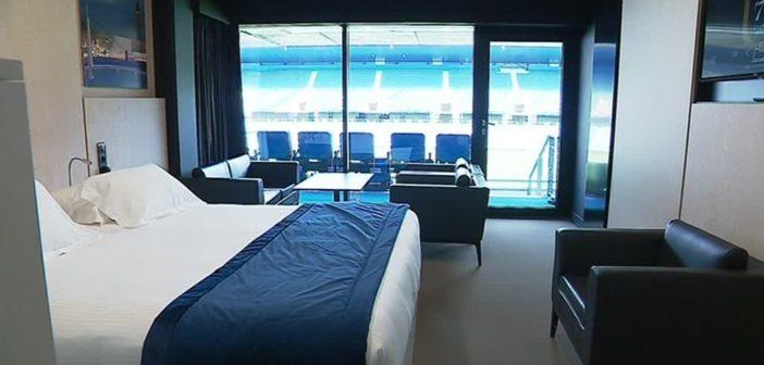 Chambre de l'hôtel insolite le 1872 stadium hotel, du stade Océane du Havre