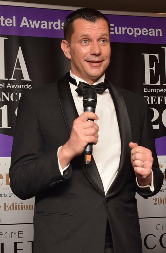Remise du trophée du bar d'hôtel de l'année European Hotel Awards