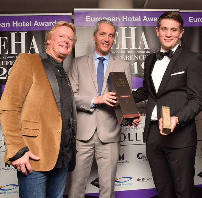 Remise du trophée du spa d'hôtel de l'année European Hotel Awards