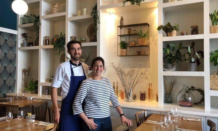 Ludivine La Rosa, serveuse en salle et le cuisinier Alexandre Frin du restaurant l'Ombelle