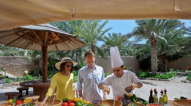 programme Eat With Six Senses