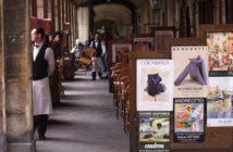 Emploi du Tourisme : Serveurs sur une terrasse de restaurant