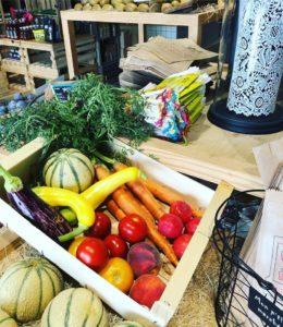 Panier de la semaine composés de fruits et de légumes de saison