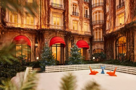 Profitez de la patinoire de l'Hôtel Plaza Athénée à Paris