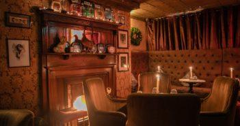 Ambiance cosy au Vintage Cocktail Club à Dublin